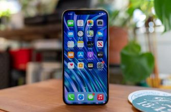 iPhone 13: Samsung and LG are already working on OLED panels
